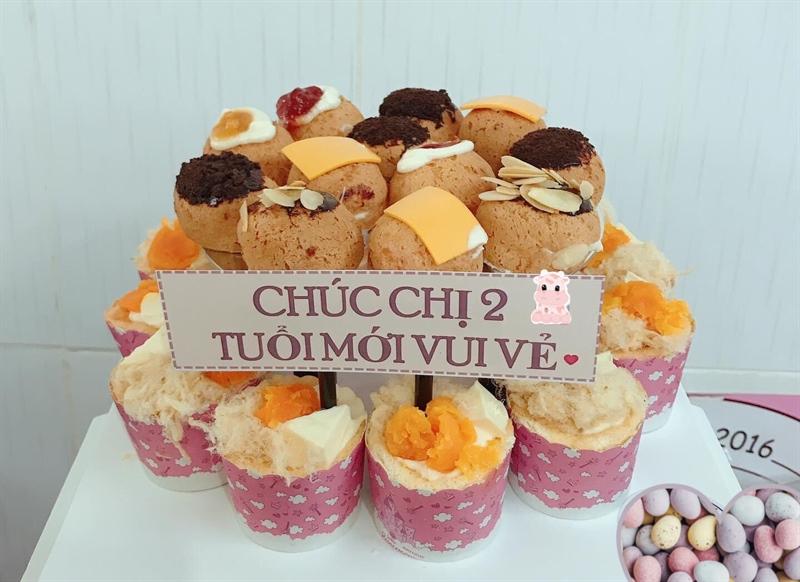Bánh sinh nhật 12 cupcake + 12 su kem