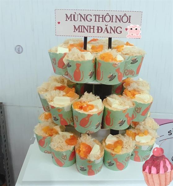 Bánh sinh nhật 30 cupcake 3 tầng