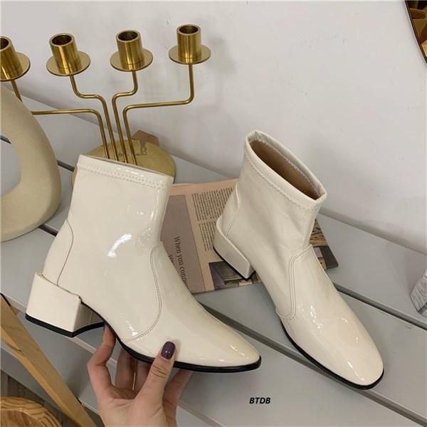 Boots Trắng Da Bóng