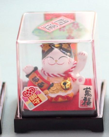 Mèo Thần tài Jinshi ngồi hộp 2 - Tai đen - C6004