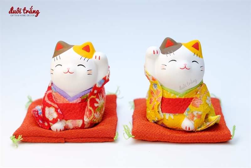Mèo Thần tài Yakushigama mặc Kimono Đỏ 7.5cm - YSY-7357