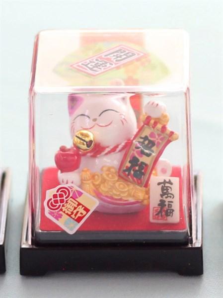 Mèo Thần tài Jinshi ngồi hộp 3 - Tai Tím - C6005