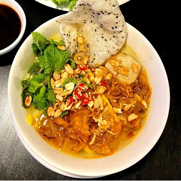 Mì Quảng chay - Quang noodle soup