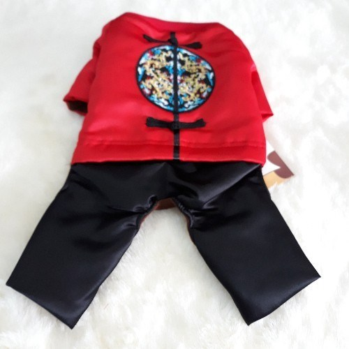 x yếm quần đỏ thêu hình tròn