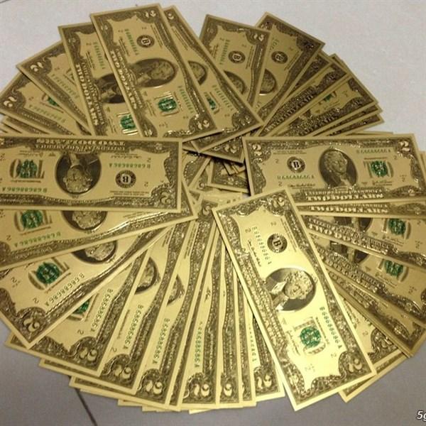 Tiền 2 USD mạ vàng