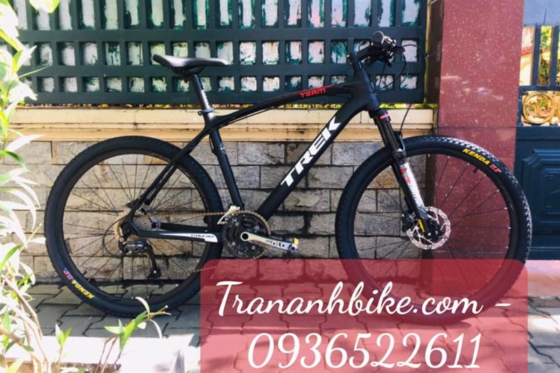 TRECK MTB Carbon, màu đen (chiếc)