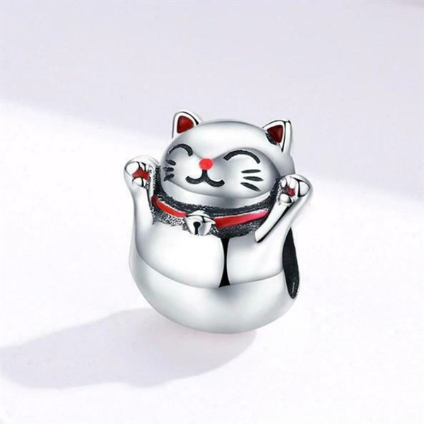Lucky Cat Charm