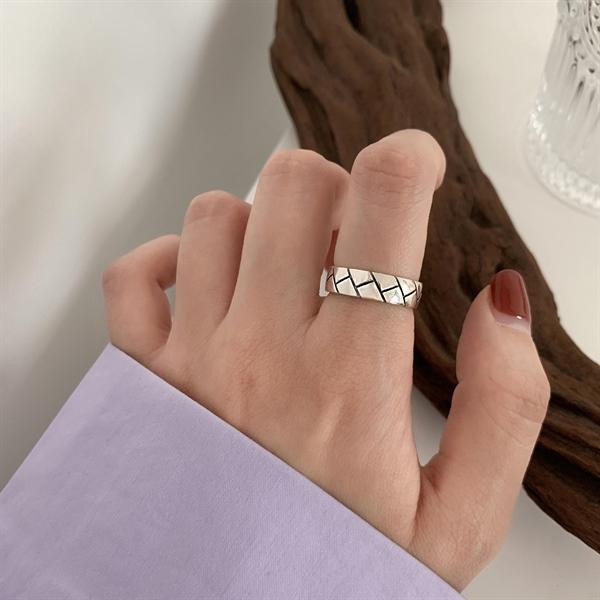 Basic Line Ring ( Freesize )
