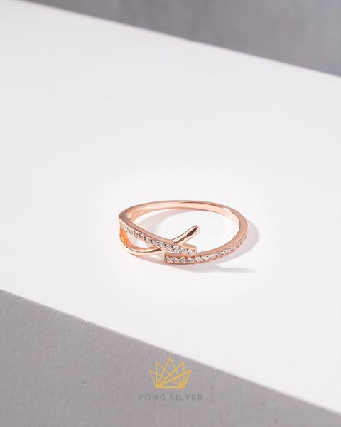 Diamond Cross Line Rosegold Open Ring
