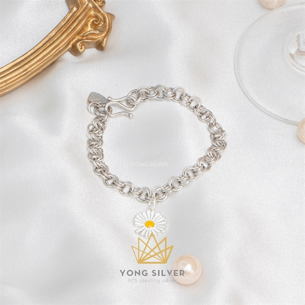 White Daisy Chain Bracelet ( Freesize )