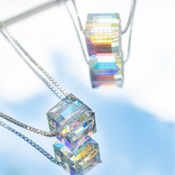Lucien Halo Crystal Necklace
