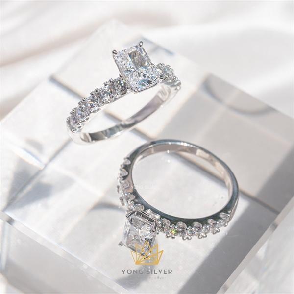 Regal Star Diamond Ring