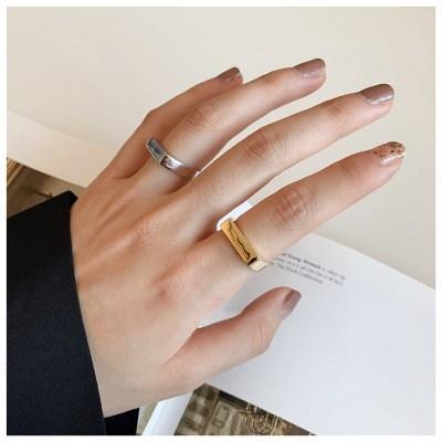 Minimalist Glossy Opening Geometric Rectangular Ring