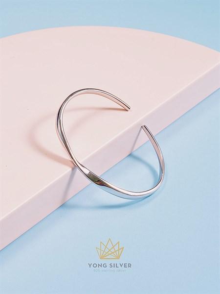 Infinity Twist Silver Cuff